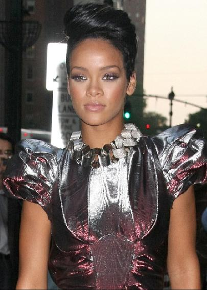 rihanna_queen_of_the_red_carpet